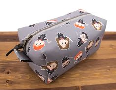 Harry Potter Birthday Gift - Harry Potter Christmas Gift - Harry Potter Jewelry Box - Harry Potter Makeup Bag - Harry Potter Gift for Friend Harry Potter Make-up, Cadeau Harry Potter, Harry Potter Bricolage, Anniversaire Harry Potter, Harry Potter Birthday, Birthday Box, Friend Birthday, Birthday Gifts, Maquillage Harry Potter