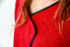 Podívejte se na návod, jak ušít tento oboustranný dámský cardigan  #diyfashion #women Crop Tops, Detail, Women, Fashion, Moda, Fashion Styles, Fashion Illustrations, Cropped Tops, Crop Top Outfits