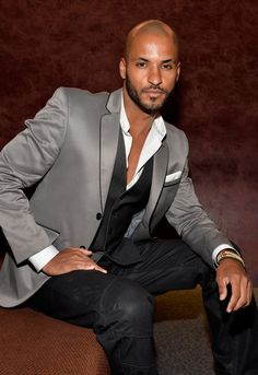 Ricky Whittle Photos - ActorRicky Whittle attends TheWrap Presents a Screening of 'Austenland' at the Landmark Theater on August 2013 in Los Angeles, California. - 'Austenland' Screening in LA Black Men Beards, Black Suit Men, Black Man, Handsome Men In Suits, Handsome Actors, Bald With Beard, Bald Men, Ricky Whittle The 100, Latino Men