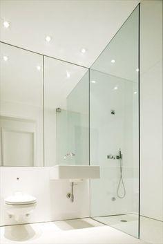 Modern   ombiaiinterijeri Loft Bathroom, Bedroom Loft, White Bathroom, Bathroom Interior, Small Bathroom, Minimal Bathroom, Bathroom Mirrors, Washroom, Interior Design Inspiration