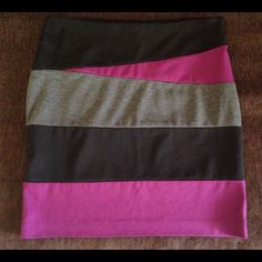 """ColorBlock Plum & Black Skirt Size Large 10 12 Super Cute ColorBlock Skirt in Plum, Black and Charcoal Grey. My Fav Skirt. Size Large 10 12. Zipper Side. No Slits, Pencil Style. In Excellent Condition. Measures 16in"""" across waist laying flat and 19in in length. Just in Time for Summer  Skirts Pencil"""