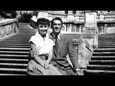 "Audrey Hepburn y Gregory Peck en ""Vacaciones en Roma"" (Roman Holiday), 1953 Gregory Peck, Golden Age Of Hollywood, Classic Hollywood, Old Hollywood, Love Movie, I Movie, Movie Stars, Perfect Movie, Perfect Photo"