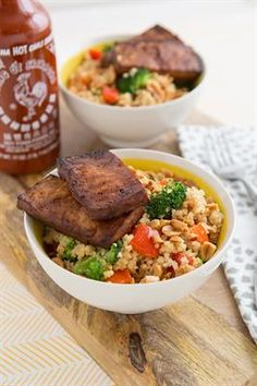 24 Delicious Quinoa Bowl Recipes: Peanutty Quinoa Bowls with red bell pepper, broccoli crown, ginger, tofu, roasted peanuts