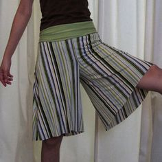 Free Culotte pattern for culotte with yoga band wait, very cute!