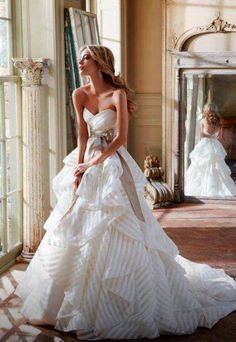Open-air wedding dress