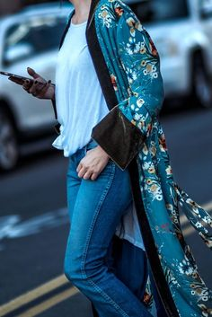 printed kimono robe streetstyle #FrankVinyl #zara #boho