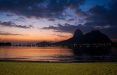 Amanhecer visto da Praia de Botafogo. Foto: Guilherme Leporace/ Agência O Globo