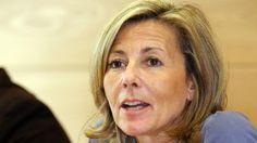 """Clair Chazal présentait les journaux télévisés du week-end depuis 1991. Mais l'audience baissait dangereusement : TF1 confirme qu'elle quittera les JT """"dans les semaines à venir"""". Elle devrait être remplacée, selon le Figaro, par son joker officiel, Anne-Claire Coudray."""