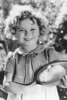 SHIRLEY TEMPLE EARLY POSE WITH