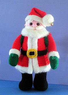 Crochet Santa Claus Amigurumi - FREE Crochet Pattern and Tutorial by Sue Pendleton Crochet Santa, Cute Crochet, Crochet Crafts, Crochet Dolls, Crochet Projects, Crochet Christmas Decorations, Christmas Crochet Patterns, Holiday Crochet, Christmas Knitting