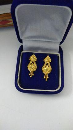 Bridal Bangles, Bridal Jewellery, Gold Jewellery, Jewelery, Small Earrings, Cute Earrings, Flower Earrings, Gold Jhumka Earrings, Gold Earrings Designs