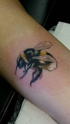 Bumble Bee by Rose Price @ Black Water Mill, Oswestry, UK - Imgur