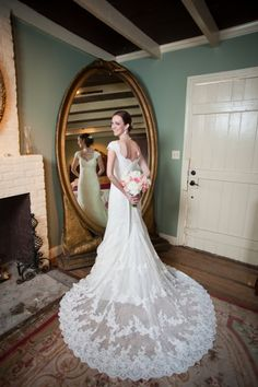 Beautiful dress... Cute wedding blog