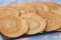 Arlettes (from The Great British Baking Show) - delicate French biscuit/cookie from laminated dough rolled with cinnamon-sugar spirals British Baking Show Recipes, British Bake Off Recipes, Great British Bake Off, Baking Recipes, Cookie Recipes, Bbc Recipes, No Bake Desserts, Just Desserts, Dessert Recipes