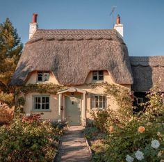 Future House, My House, Cottage In The Woods, Nature Aesthetic, Aesthetic Pastel, Summer Aesthetic, Interior Exterior, Interior Design, Cottage Homes