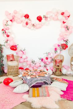 Looking for valentine's decoration ideas for brunch party this Galentine's? Marvel at these Valentine's day decor ideas tocreate the perfect party look. Party Kulissen, Tea Party Theme, Party Ideas, Party Wedding, Brunch Party, Brunch Wedding, Party Gifts, Wedding Favors, Wedding Ceremony