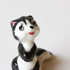 Skunk figure