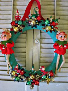 Oh look, the Elf on a Shelf's friends made a really ugly wreath (don't) #DIY