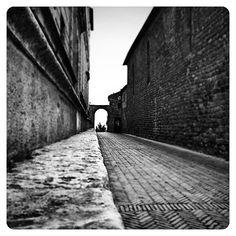 #pienza #porte #beautifull #bw #b&w #clouds #cielo #doors #italy #igers #italia #ig_italy #igtoscana #igtuscany #instagood #igtuscany  #instagood #instalike #instamood #ig_toscana #ig_tuscany #igersitaly #insta_pick #instadaily #instascape #ig_captures #i