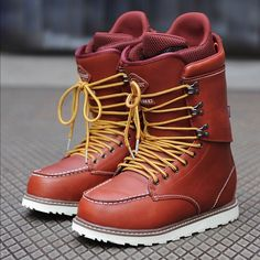Burton snowboard boots // OH MY GOD! I NEED THESE CLASSY ASS BOOTS