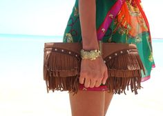 Barefooted  #fashion #ootd #wiwt #beach #turquoise #water #lizzletrix #jewellery #ullimahler #justcavalli #bag #clutch #shades #sunglasses #egypt #mediterrenean #print #top #peacesign #necklace #barefoot #hot #summer