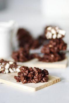 Energy bites με 3 υλικά | Cool Artisan Energy Bites, Artisan, Candy, Chocolate, Cool Stuff, Food, Sweets, Schokolade, Meals