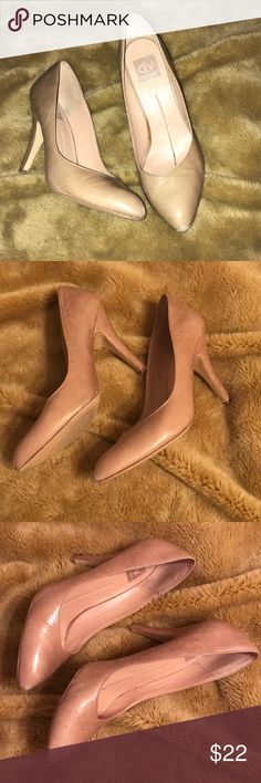 DV dolce vita - nude 👠 Heels DV Dolce Vita 👠- if you have a pair of these in size 8/9 let me know... these are supposed to be 9, but I think they are 9/10 and so my heel pops out... love them! Re-Posh!!!! A must have closet edition!!!! 🔥 BUNDLE &SAVE! *See other listings for items pictured. DV by Dolce Vita Shoes Heels