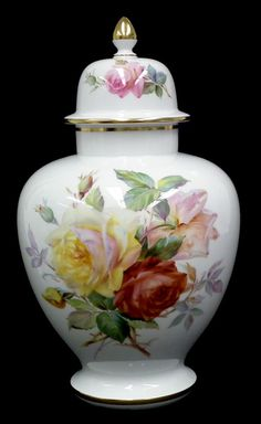 W Fine Porcelain China Diane Japan Key: 8273933539 Fine Porcelain, Porcelain Ceramics, Glass Ceramic, Ceramic Pottery, Japanese Porcelain, Antique Roses, China Painting, Vintage China, Hand Painted