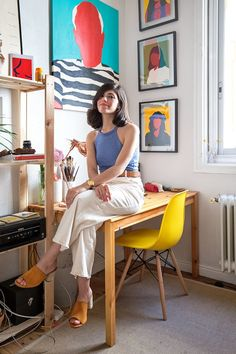Colorful modern paintings, loads of natural light, a stylish work space and even a few Wes Anderson movie references: Welcome to the studio of Madrid-based painter Coco Dávez!
