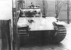 Super looking Panther tank ready for an ambush