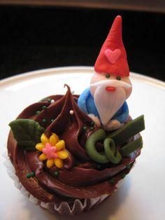 Such cute gnome cupcakes
