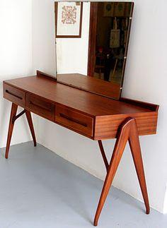 Sapele dressing table