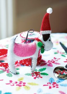 [MAKE] A Christmas craft by Cath Kidston - 'Santa Paws'