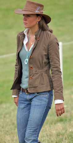 Kate Middleton and Zara Five Button Jacket With Zippers