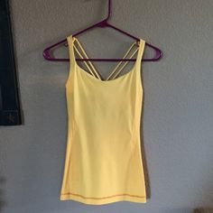 Lululemon Free To Be Workout Tank Lululemon top in great condition, only worn twice, no stains, small pilling spot on back not noticeable lululemon athletica Tops Tank Tops