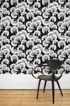 Journalist Kate Watson-Smyth features the new wallpaper and fabric collection taken from the Florence Broadhurst archives Plum Walls, Navy Walls, Textile Prints, Textile Design, Textiles, Florence Broadhurst, Mad About The House, Living Etc, Black And White Interior