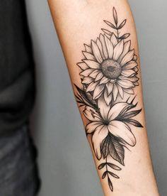 As tatuagens florais mais incríveis de todas! - Blog Tattoo2me Forarm Tattoos, Leg Tattoos, Body Art Tattoos, Tatoos, Pretty Tattoos, Unique Tattoos, Beautiful Tattoos, Hibiscus Tattoo, Sunflower Tattoos
