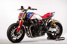 Honda CB1100 TR Concept studio 3/4 view