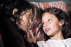 """Inés Efron e Ailin Salas, em cena do filme """"XXY"""" de estréia da diretora argentina Lucía Puenzo, que retrata diferenças sexuais"""