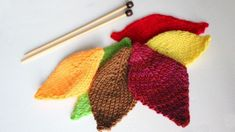 How to Knit a LEAF: Free Pattern. Add a little knitted color to your Thanksgiving dcor!