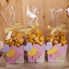 Ah! This popcorn is delicious! 😋 💖 party girl of love ideas parties 📸 Party Treats, Party Favors, Baby Birthday, Birthday Parties, Bar A Bonbon, Baby Shawer, Chocolate Bouquet, Ideas Para Fiestas, Childrens Party