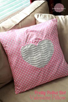 Pretty Polkadot Valentine Pillow tutorial from Sweet Rose Studio Cute Pillows, Diy Pillows, Decorative Pillows, Throw Pillows, Sewing Kids Clothes, Sewing For Kids, Kids Clothing, Love Valentines, Valentine Heart