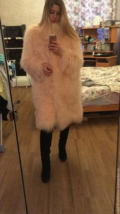 Fluffy Coat, Fluffy Sweater, Angora Sweater, Fur Fashion, Womens Fashion, Fur Coats, Crochet Basics, Fur Jacket, Girly Girl