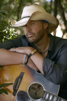 toby keith | Toby Keith Announces Oklahoma Twister Relief Concert | Country Music ...