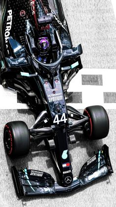 Mercedes Petronas, Amg Petronas, Mercedes Logo, Mercedes Benz Amg, Formula 1 Car Racing, F1 Wallpaper Hd, Screen Wallpaper, Lewis Hamilton Formula 1, Hamilton Wallpaper