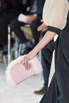 Loewe | Accessorio del giorno Primavera Estate 2020 | Vogue Italia Vogue Paris, Lanvin, Givenchy, Modern Vintage Fashion, Christening Gowns, Jeremy Scott, Vogue Russia, Paco Rabanne, Loewe