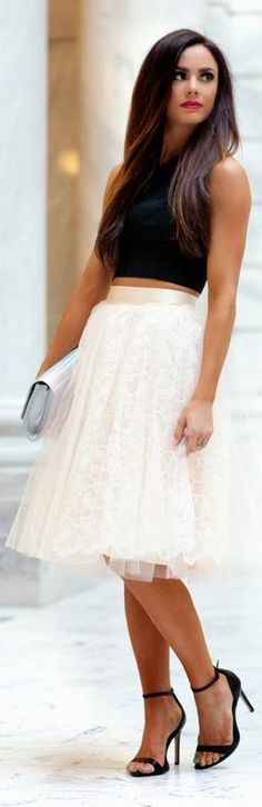 Black crop top, white tulle skirt, heels, clutch | Chic outfits