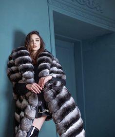 Chinchilla Fur Coat, Fox Fur Coat, Fur Coats, Girly Outfits, Sexy Outfits, Fur Coat Fashion, Sexy Women, Women Wear, Fur Accessories