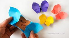Looking for an origami butterfly? This fantastic origami butterfly opens into a box. Watch the easy video tutorials for this and many origami figures. Origami Diy, Design Origami, Origami Simple, Origami And Kirigami, Origami Paper Art, Origami Folding, Useful Origami, Origami Tutorial, Diy Paper