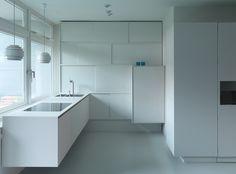 RioMarie - temporary housing in Oscar Niemeyer House, Berlino, 2013 - a-base… Oscar Niemeyer, Temporary Housing, Mawa Design, Design Projects, Berlin, Bathtub, Room Decor, Interior Design, Bathroom